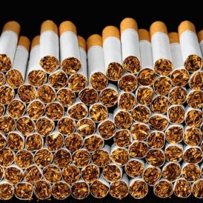 Mánh khóe bán thuốc lá lậu trên phố cổ Hà Thành
